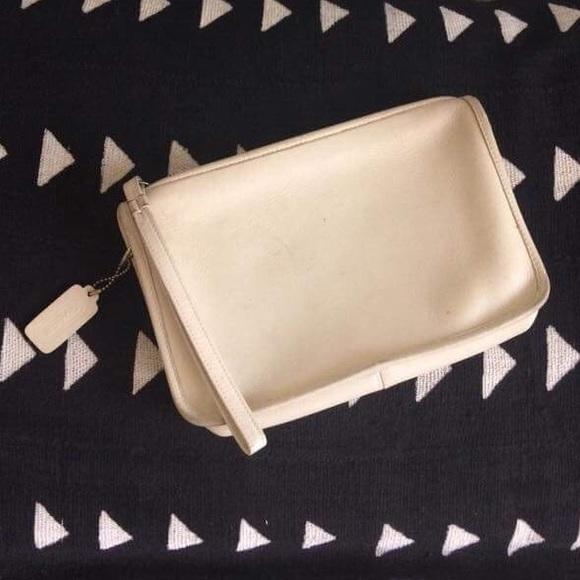 Coach Handbags - VINTAGE COACH CLUTCH WRISTLET